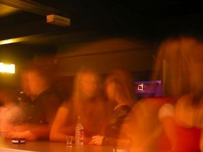 crowded_bar.jpg